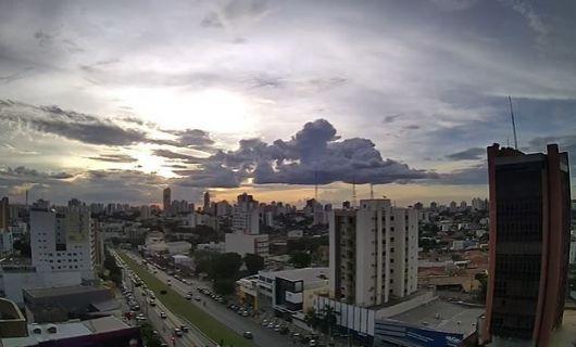 Cuiabá, Rondonópolis, Várzea Grande e mais 10 cidades têm alto risco de contaminação (Crédito: Reprodução/Clima ao vivo)