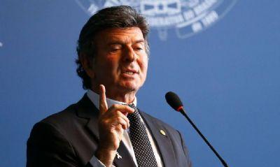 LUIZ FUX: 'O BRASIL É UM MAR DE TORMENTA'