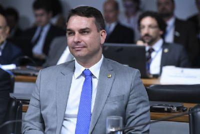 MP denuncia Flávio Bolsonaro por rachadinha na Alerj