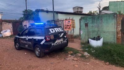 Três adultos são presos pelo comércio de drogas nos bairros Tijucal e Jardim Passaredo