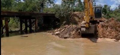 Fluxo de água começa a ser restabelecido na Baía de Chacororé