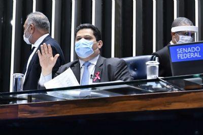 Congresso aprova remanejamento de R$ 1,4 bi da Educação para obras