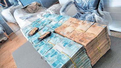Ex-deputado flagrado com R$ 2 milhões em espécie é denunciado por lavagem de dinheiro