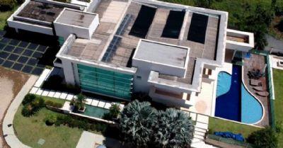 MP acata ação do PSOL e abre investigação sobre financiamento de mansão de Flávio Bolsonaro em Brasília