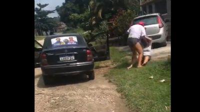 Eleitora é filmada apanhando de cabo eleitoral