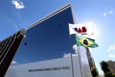 A OAB pede ao STF que obrigue Bolsonaro a comprar vacinas