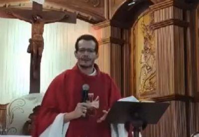 Pároco alerta fieis durante pregação: