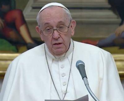 Papa Francisco critica ''negacionismo suicida'' da pandemia