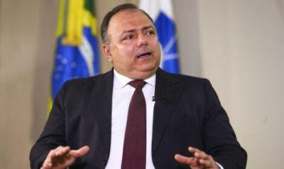 """Ministro Eduardo Pazuello enrola: """"vacinação vai começar no dia D e na hora H"""""""