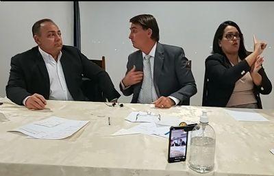Bolsonaro diz que se Anvisa rejeitar as vacinas em análise, não comprará nenhuma outra