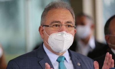 Queiroga incentiva uso de máscara e diz que ''ordem é evitar lockdown''