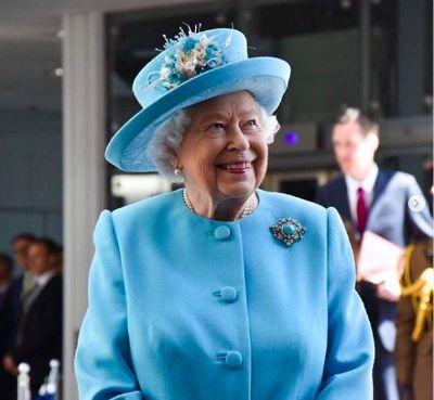 No Brasil membros do MP e Judiciário querem furar a fila, rainha Elizabeth recusa prioridade