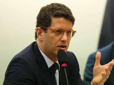 MPF recorre para afastar Ricardo Salles e o acusa de  desmonte dos órgãos ambientais
