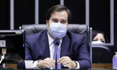 Maia sugere restrições para quem não se vacinar contra coronavírus