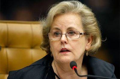 Ministra Rosa Weber envia à PGR notícia-crime contra Bolsonaro