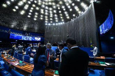 Senado aprova texto-base da PEC Emergencial com auxílio limitado a R$ 44 bi