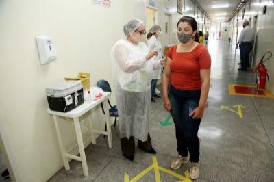 Idosos a partir de 81 anos serão imunizados na sexta-feira (12-02) em Várzea Grande
