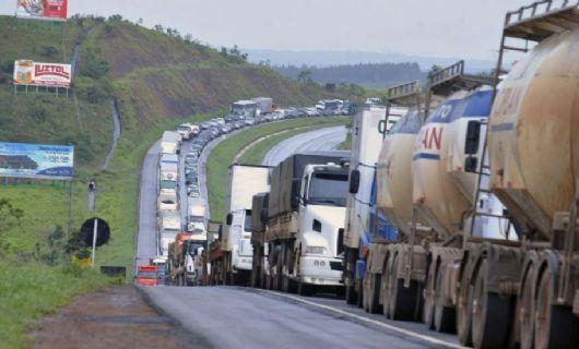Caminhoneiros marcam greve para 25 de julho (Crédito: Valter Campanato/ Agência Brasil)