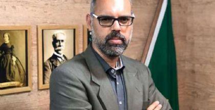 Ministro Alexandre de Moraes acolhe pedido da PF e determina prisão de Allan dos Santos (Crédito: Reprodução)