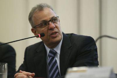 Crise hídrica não será superada este ano, diz ministro de Minas e Energia