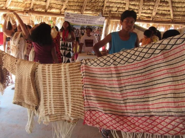 Indígenas da etnia Bakairi produzem artesanato com algodão orgânico para comercialização na Feira Gaia
