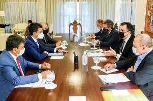 Em reunião com governadores, Pacheco defende democracia e aponta: 'Inimigo é o preço do feijão'