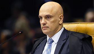 Ministro Alexandre de Moraes determina abertura de investigação contra Bolsonaro por ataques ao sistema eleitoral