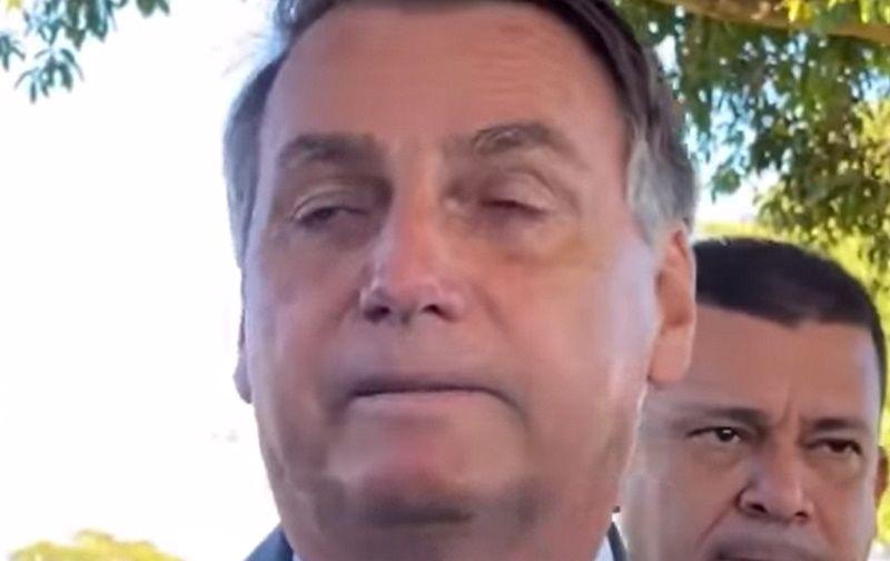 Bolsonaro desiste de vetar o fundo eleitoral e irrita apoiadores