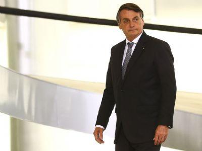Bolsonaro questiona lei que obriga União a custear internet para estudantes e professores da rede pública