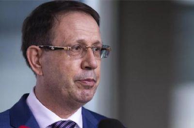 Ministro Barroso autoriza condução coercitiva e apreensão do passaporte de Carlos Wizard