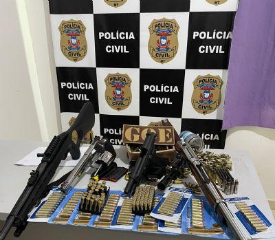 Centenas de munições e armas são apreendidas com homem investigado por comércio de armas