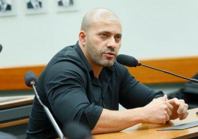 Ministro Moraes dá 48 horas para defesa de Daniel Silveira explicar pedidos de asilo diplomático
