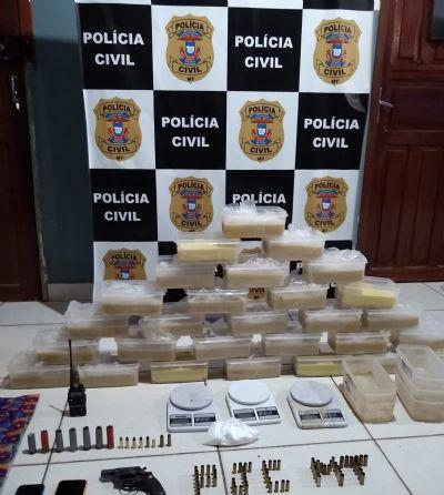 Em propriedade rural usada para refino de drogas, Polícia Civil apreende 30 quilos de pasta base e prende três por tráfico
