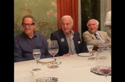 Bolsonaro é alvo de deboche durante animado jantar na casa de Naji Nahas