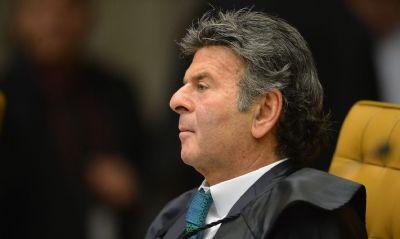 Luiz Fux envia a Cármen ação do PT sobre impeachment
