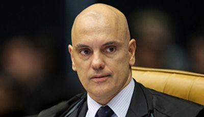 Moraes afasta delegado e equipe que apurava interferência de Bolsonaro na PF