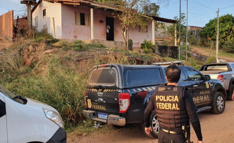 PF cumpre cinco mandados de prisão contra criminosos que invadiram casa de delegado