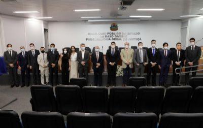 Onze novos procuradores do estado tomam posse em Mato Grosso