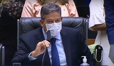 Lira ''se acerta'' com Bolsonaro e agora defende a PEC do voto impresso