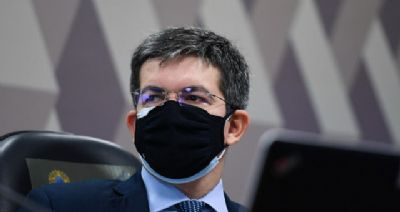 Senador Randolfe Rodrigues apresenta queixa-crime contra Bolsonaro por difamação