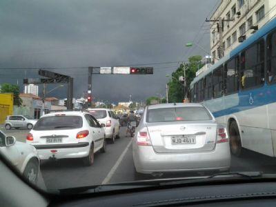 Sancionada lei que amplia isenção de IPVA para motoristas de aplicativos