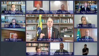 Presidente do TSE responde ataques de Bolsonaro
